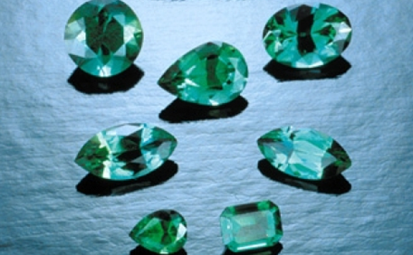 What are Synthetic Gemstones? - GIA 4Cs