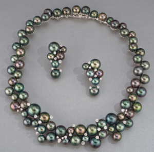 June birthstone example, pearl necklace