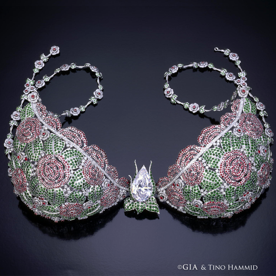 Victoria S Secret Star Of Victoria Fantasy Bra Is On