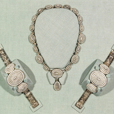 Mary Todd Lincoln pearls. (Courtesy of the Smithsonian)
