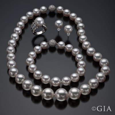 98238 Pearls Suite_400