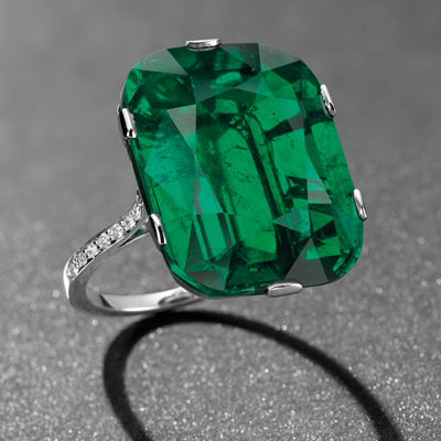rings sells auction emerald at ring carat massive sothebys nation diamond white ap now story for news cut