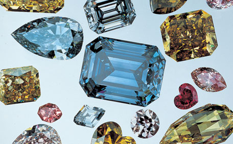 Decoding Color: The GIA Colored Diamond Color Grading System