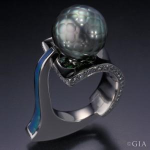Mark Schneider's 2001 AGTA Spectrum Award-winning design.