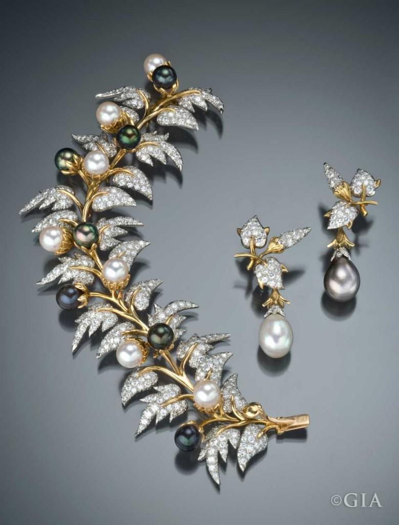 Black & white pearl bracelet