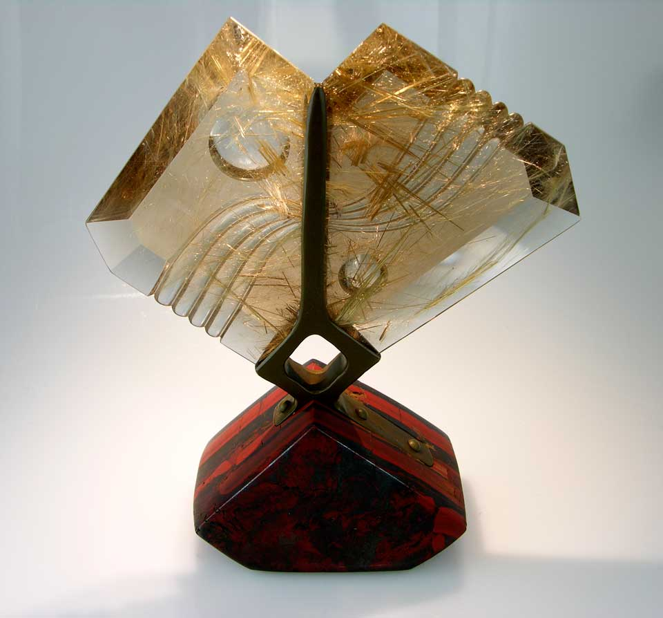 Wind, by Michael Dyber. Rutilated quartz mounted on a bronze armature. © John Dyer, gem cut by John Dyer & Co.