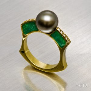 Champlevé can be used to add colorful accents to a piece of jewelry.