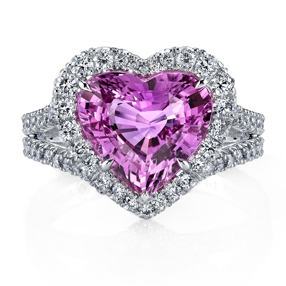 4.82 ct pink sapphire. Courtesy of Omi Privé.