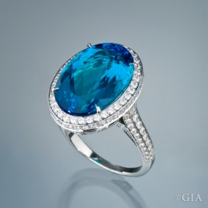 Photo by Robert Weldon/GIA, courtesy of a Private Collector and Mona Lee Nesseth, Custom Estate Jewels