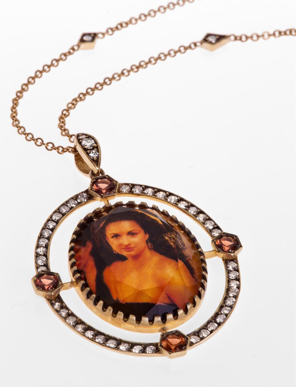 quartz-mother-of-pearl-pendant