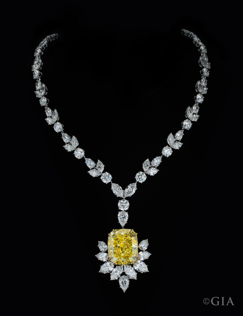 Fancy-Yellow-Diamond-Necklace