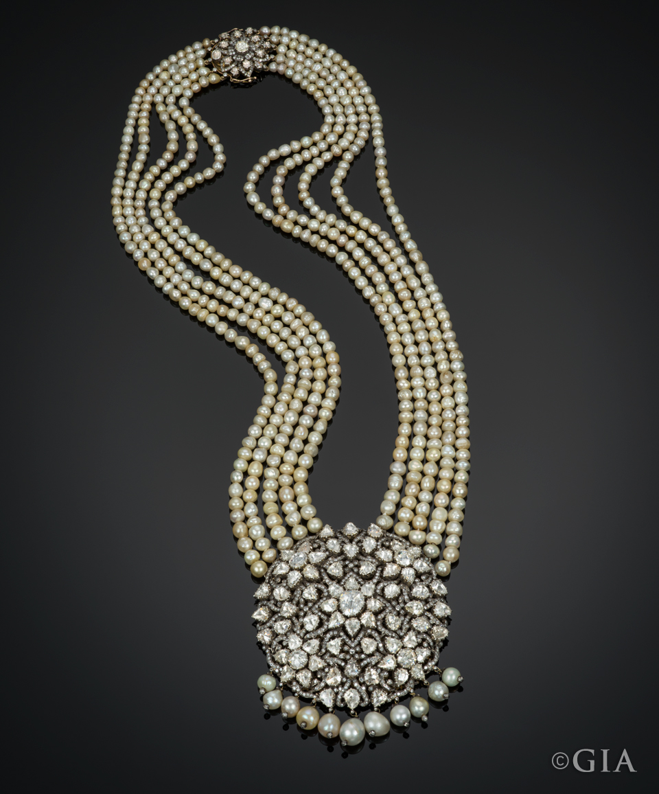 Rose-cut-diamonds-and-Basra-pearl-necklace