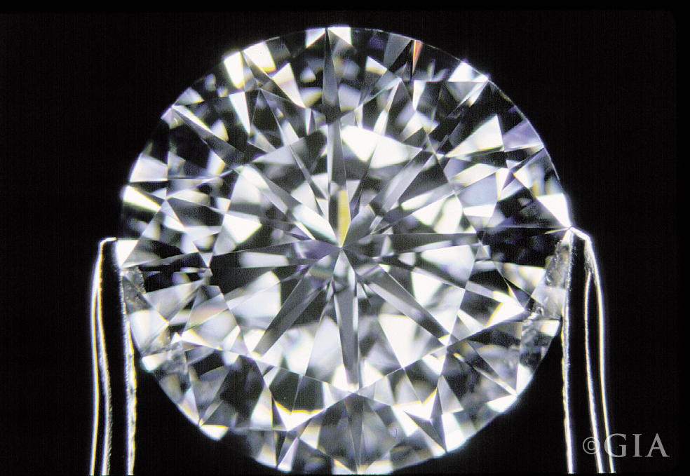 Round brilliant cut diamond. Photo: Vincent Cracco/GIA