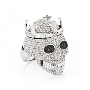 The King's Crown, with 2.75 carats of diamonds in 10K white gold, captures the spirit of the Day of the Dead. Courtesy: www.ItsHot.com