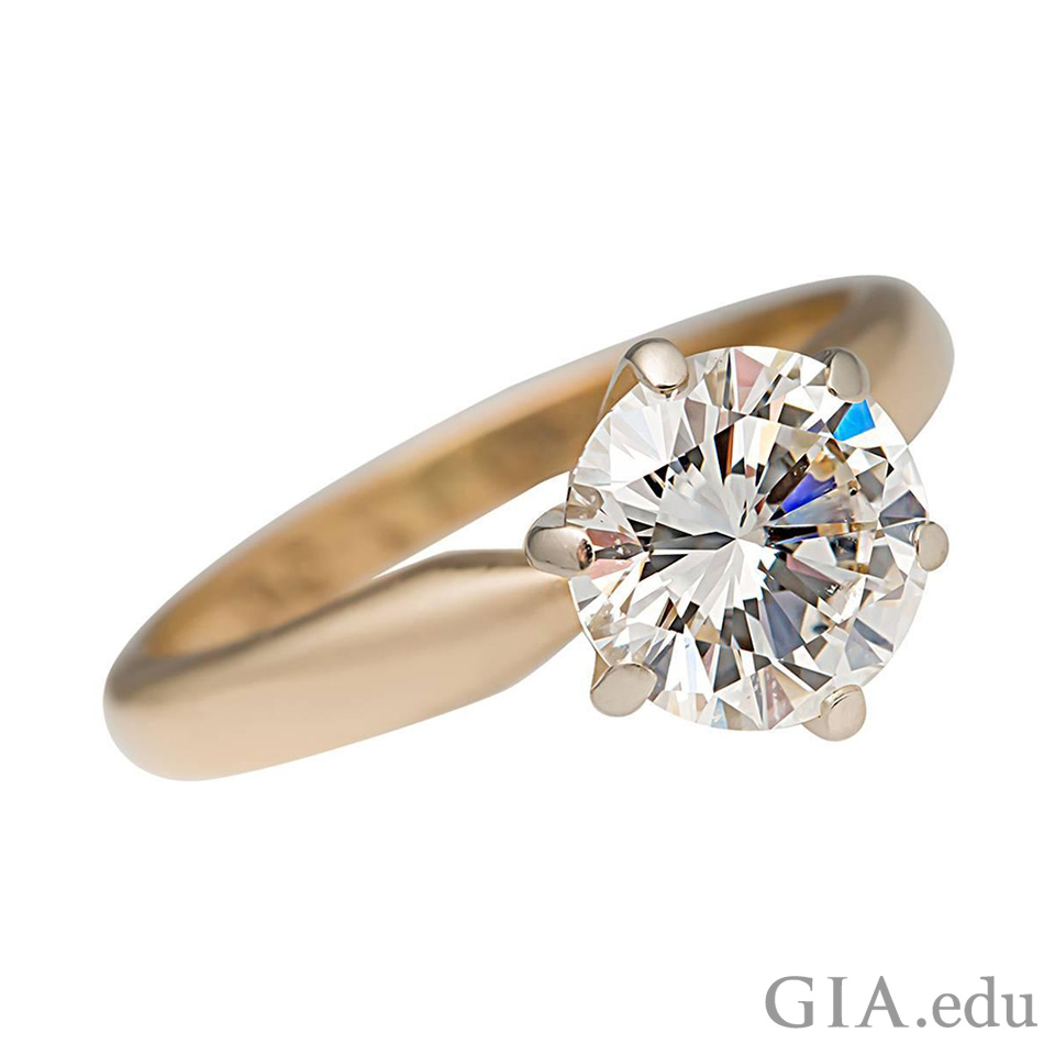 钻石订婚戒指