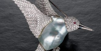 Pink baroque pearl hummingbird brooch