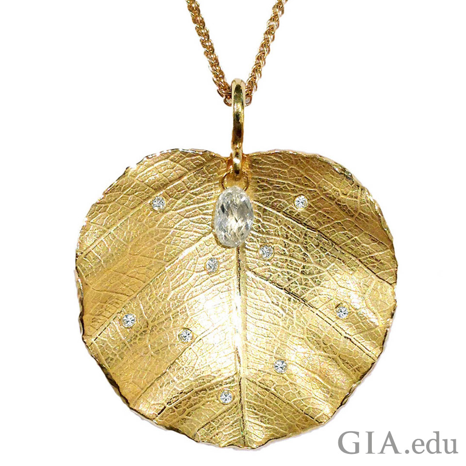 18K yellow gold lotus leaf necklace