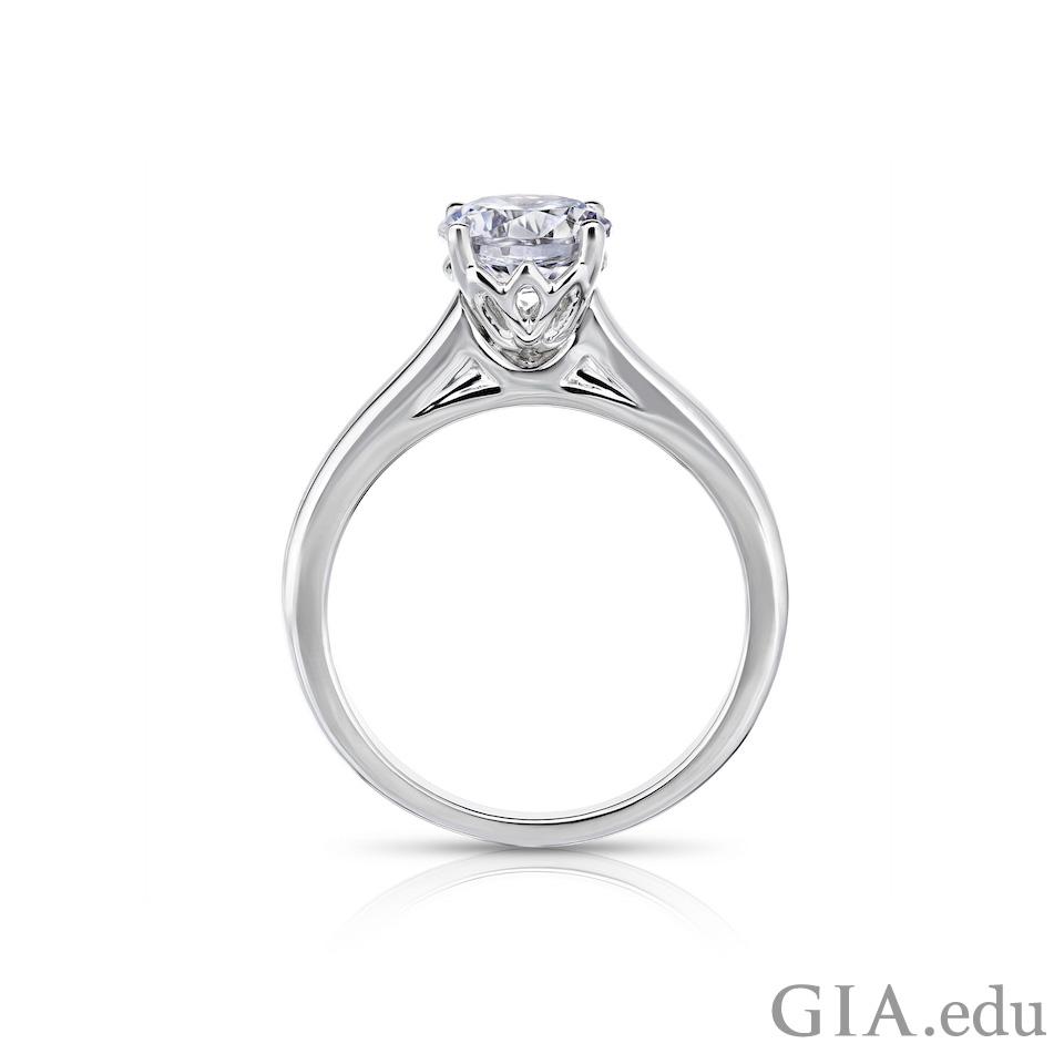 カテドラル セッティングのダイヤモンド ソリティア リング