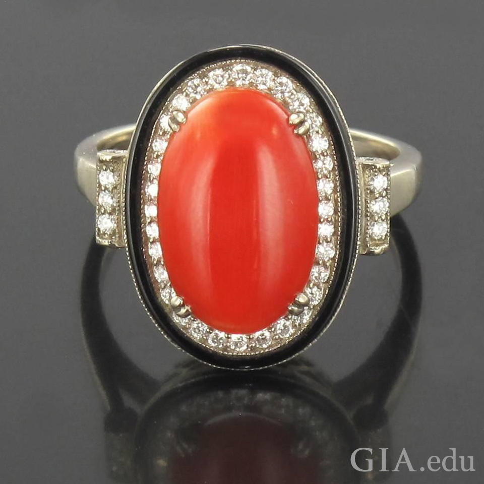 4.33 ct coral cabochon ring