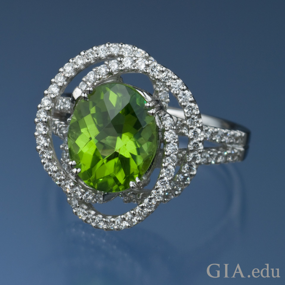 16th wedding anniversary gemstone 3.41 ct oval peridot ring