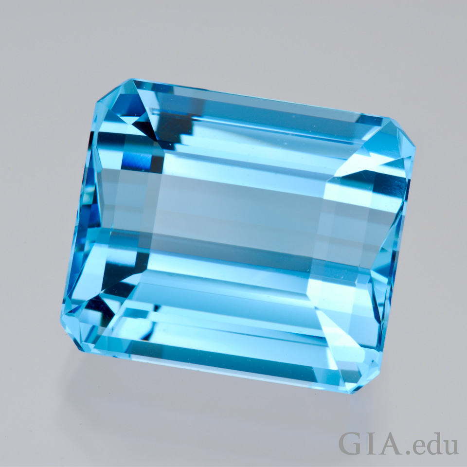 19th wedding anniversary gemstone 17.96 ct, aquamarine