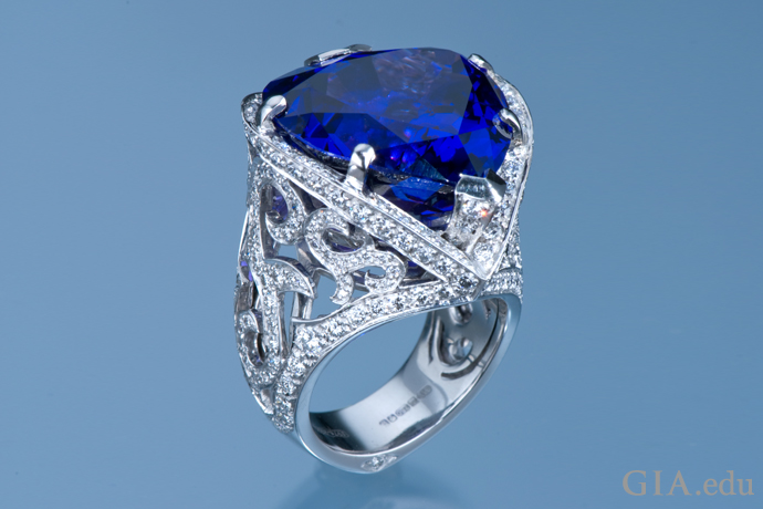 Stephen Webster's ring dazzles with a 29.22 ct tanzanite and 3.07 carats of diamonds.
