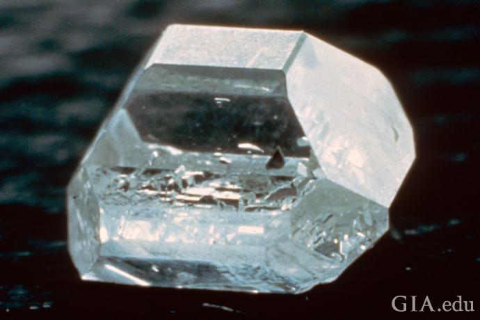 Distinctly shaped HPHT-grown synthetic diamond crystal