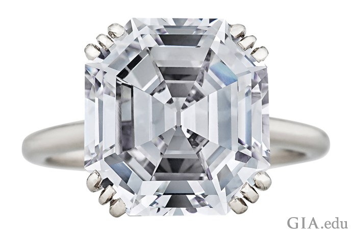 1935年左右,出自卡地亚的8.06克拉Asscher切工钻石。