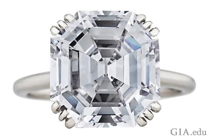 8.06ctのAsscher(アッシャー)カットのCartier(カルティエ)のダイヤモンド、1935年頃。