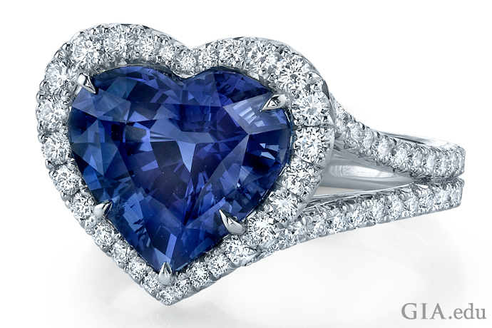 A Omi Privé heart shaped ring is the essence of Cupid, and has a 5.10 carat (ct) sapphire surrounded by 1.22 carats of diamonds.
