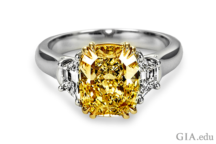 3.22ctのファンシーイエロークッションカットダイヤモンド