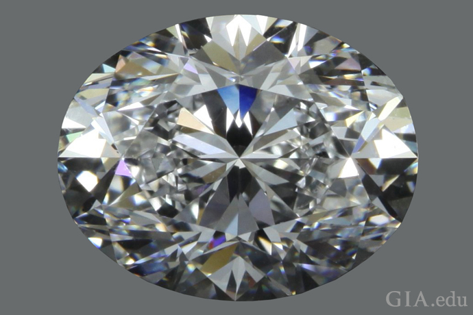 A 3.01 ct oval diamond with a 1.26:1 length-to-width ratio