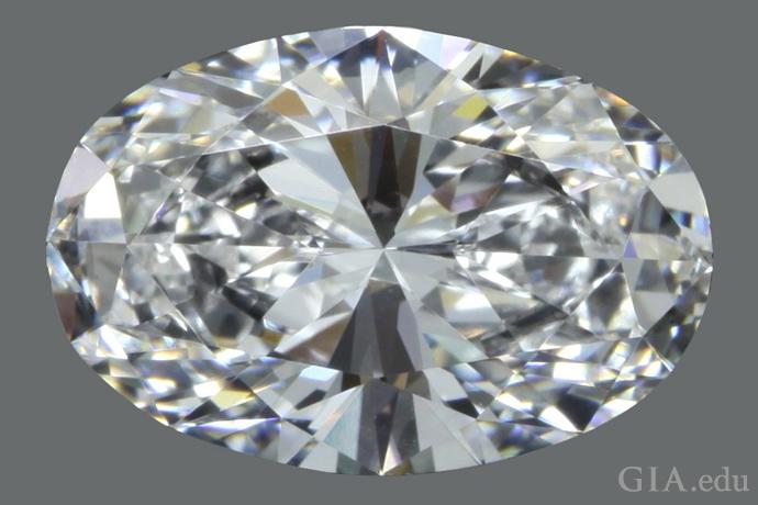 長さ対幅の比が1.48:1の2.28ctのオーバルシェイプ・ダイヤモンド