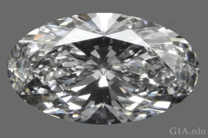 長さ対幅の比が1.71:1の1.06ctのオーバルシェイプ・ダイヤモンド