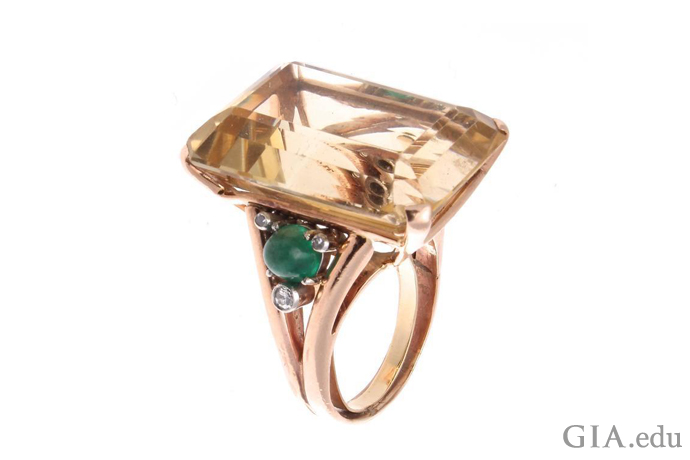 This classic Retro-era cocktail ring demands to be noticed.