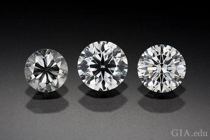 钻石的切工对钻石的外观影响很大,比如,这三颗圆形明亮式钻石。