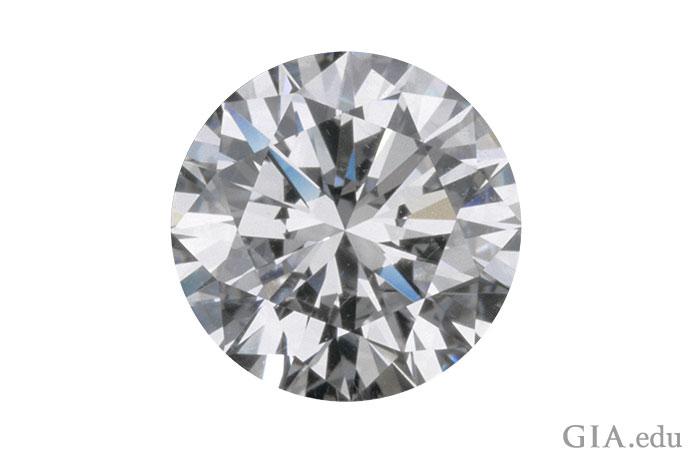 インターナルフローレスのダイヤモンドは美しい。