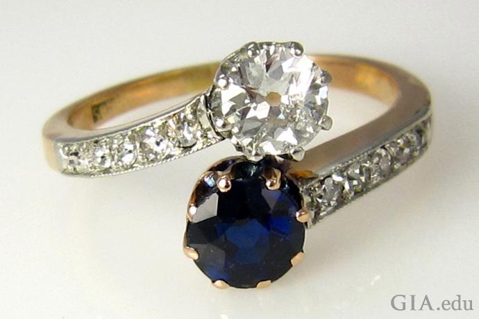ビクトリア朝時代のダイヤモンドとサファイアのバイパスリング。