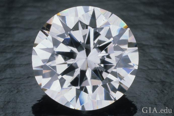 ダイヤモンド類似石キュービックジルコニア(CZ)