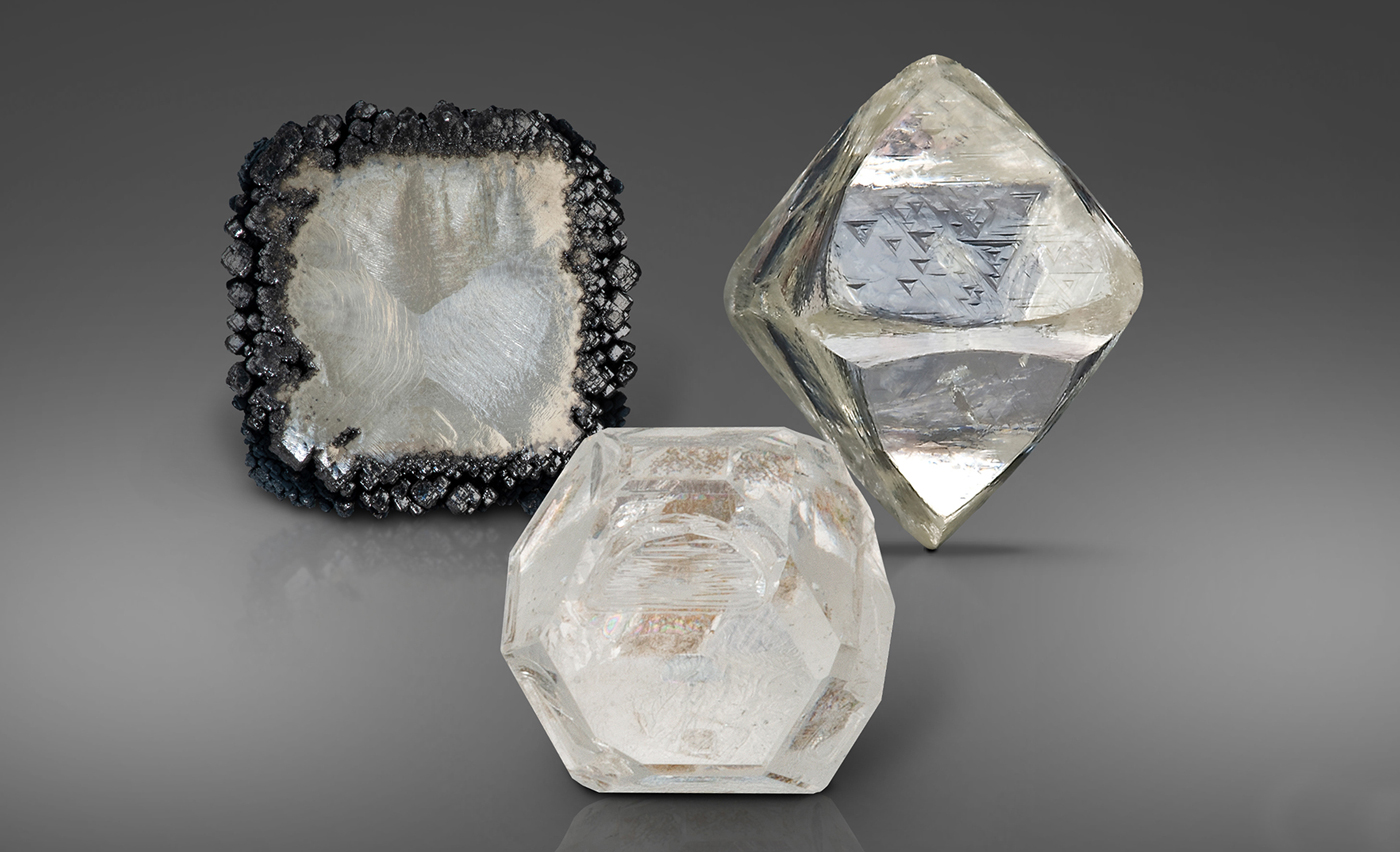 CVD 合成钻石、HPHT 合成钻石和天然钻石晶体