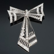Bow Jewelry in Timeless Diamond Brooch Designs
